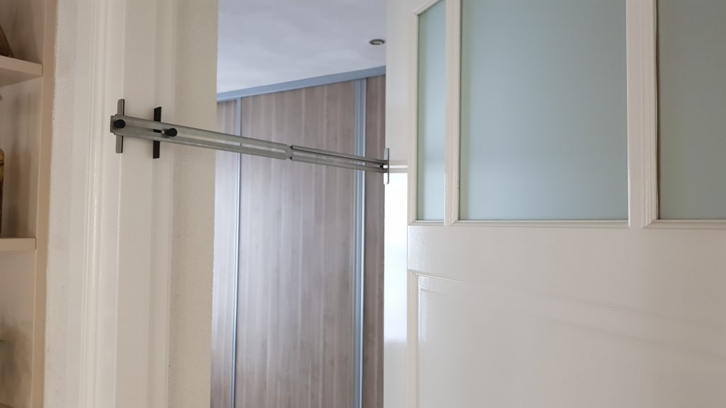 Kierr Classic 300 doorstop for 20-50 centimeter without drilling and screwing