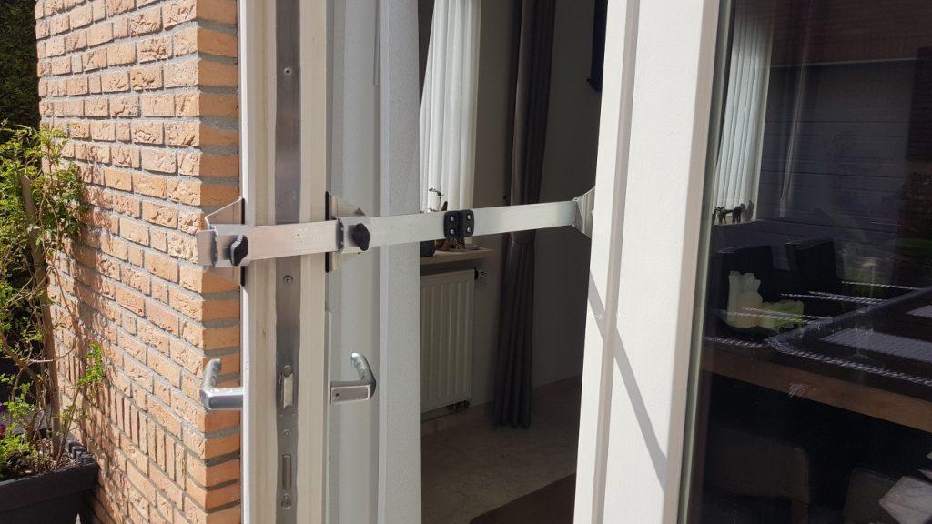 Kierr Flex 200 adjustable doorstop without screwing or drilling