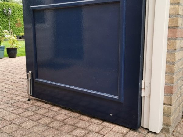 Kierr Hold 200 stainless steel door holders outside door